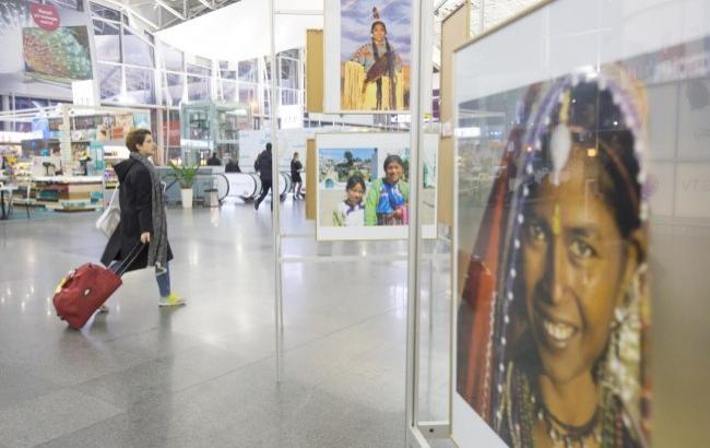 """""""Жінки світу: такі різні і такі прекрасні"""": в """"Борисполі"""" відкрили яскраву фотовиставку"""