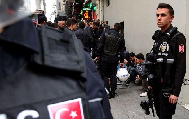 Фото: в Туреччині після перевороту заарештовано понад 35 тис. осіб