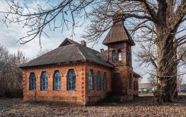 Справжні знахідки для туристів: маловідомі пам'ятки в Україні, про які ви не знали