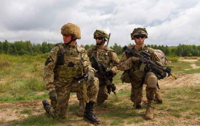 """Фото: """"Укроборонпром"""" буде виробляти українську модифікацію гвинтівки М16"""