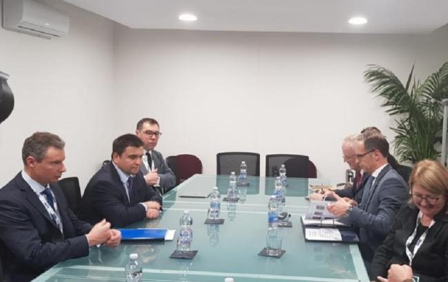 Клімкін обговорив з Маасом питання звільнення українських військовополонених