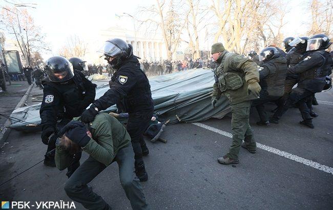 Крищенко назвав причину розгону протестувальників під Радою