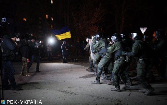 Трех участников беспорядков в Новых Санжарах отправили под домашний арест