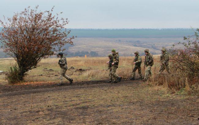 На Донбассе в воскресенье боевики пять раз нарушили перемирие