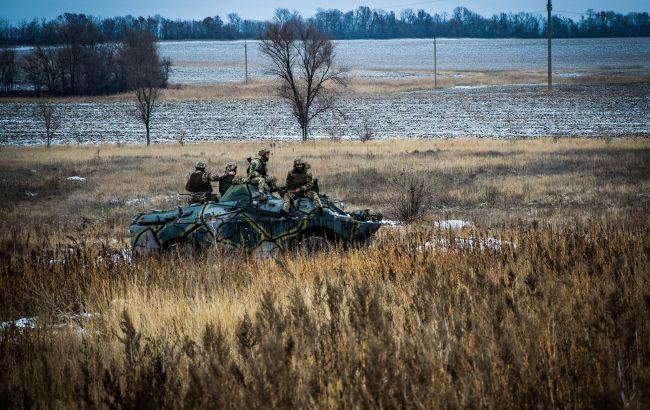 Боевики четыре раза нарушили перемирие на Донбассе, военные стреляли в ответ