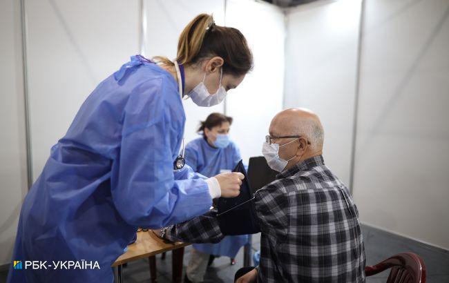 За сутки в Украине вакцинировали более 54 тысяч человек