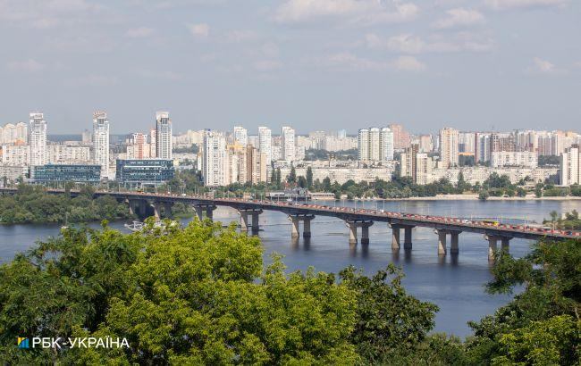 У Києві на мосту Патона локалізували прорив труби