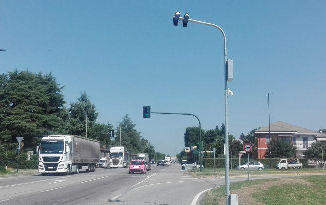 В Італії світлофори будуть автоматично штрафувати порушників ПДР