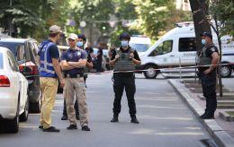Мужчина с гранатой угрожал взорвать Кабмин: все подробности