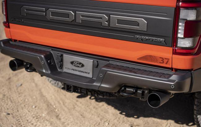 Ford запатентував незвичайну вихлопну систему, яка допомагає на бездоріжжі