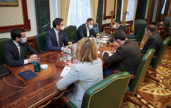 Украинцам на обсервации будут делать ПЦР-тесты на пятый-шестой день