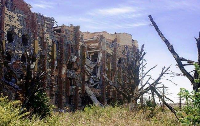 Фото: Разрушенные здания в Донецке (facebook.com/RodriguezScreen)