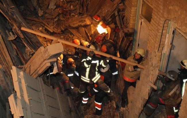 Фото: во время обрушения в доме находились 9 человек