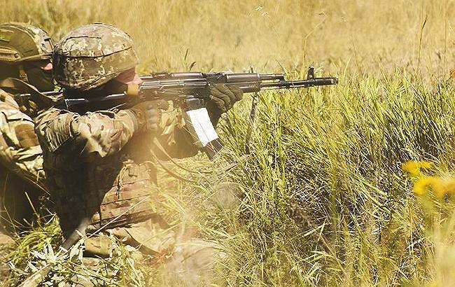 Фото: силы АТО под Мариуполем (facebook.com/ato.news)