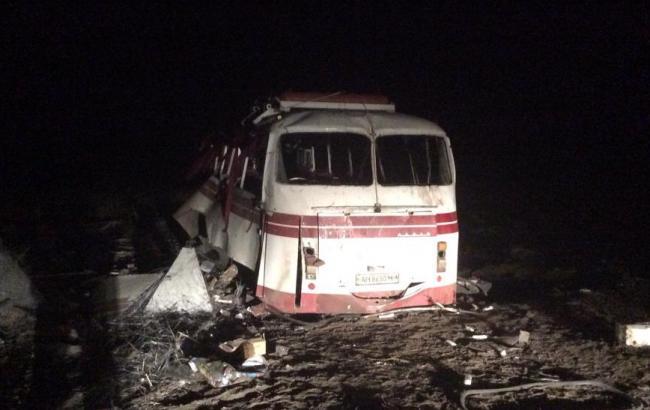 В автобусі під Артемівськом загинули 4 людини, 11 поранені, - ДонОДА