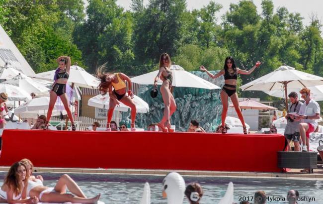 Фото: Пляжная вечеринка (facebook.com/raguli)