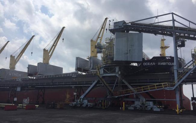 В Україну відправили першу партію американського вугілля