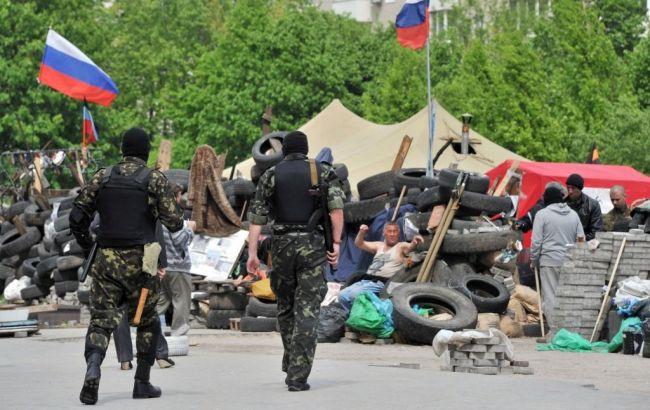 Фото: боевики в Славянске