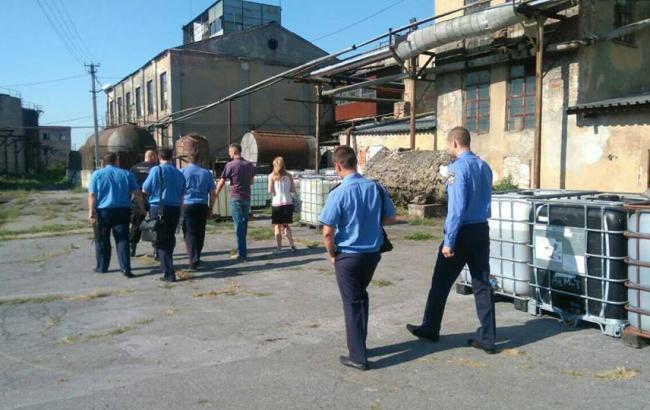 ДФС проводить обшуки на 27 спиртових заводах