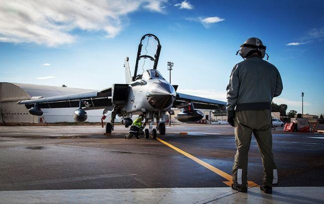 Фото: військовий літак США на авіабазі Інджирлік