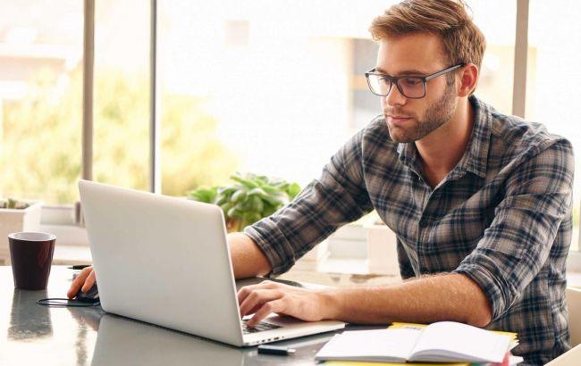 Не покидая квартиры: 5 способов заработка в интернете