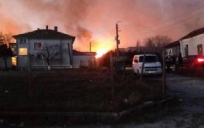 ВБолгарии сошел срельсов поезд сгазовыми цистернами