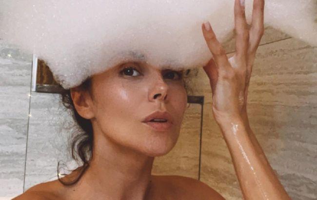 Оголена в піні: Настя Каменських подражнила мережу пікантним фото з ванної