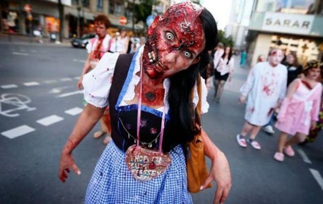 Фото: Страшний костюм для Хеллоуїна (avivas.ru)