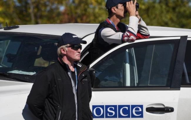 """ОБСЄ продовжила місію спостерігачів на російських пунктах пропуску """"Гуково"""" і """"Донецьк"""" до 23 грудня"""