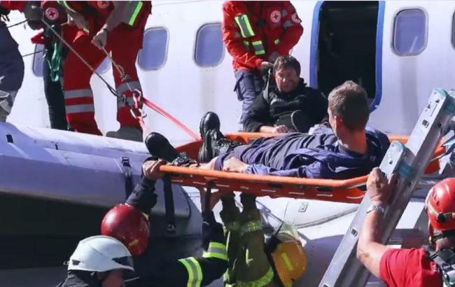 """Аварійна посадка на """"пінну подушку"""": в аеропорту """"Бориспіль"""" пройшли масштабні навчання"""