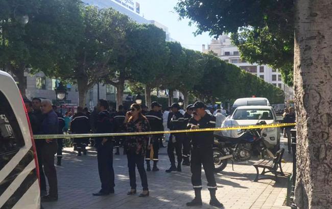Вцентре Туниса смертница устроила взрыв, есть раненые