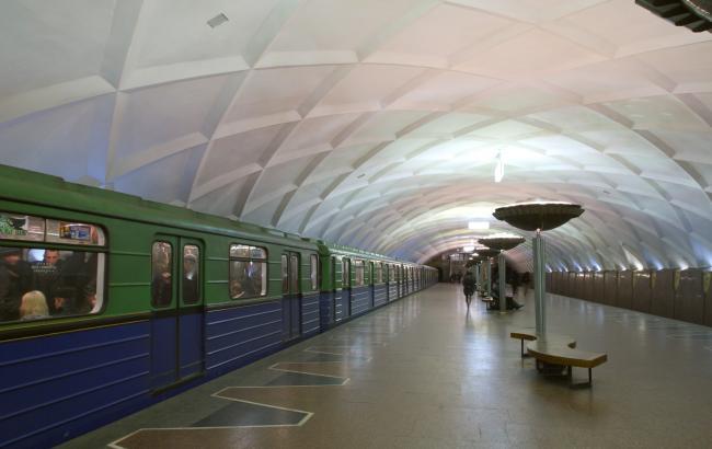 Фото: інформація про замінування 6 станцій метро в Харкові не підтвердилася