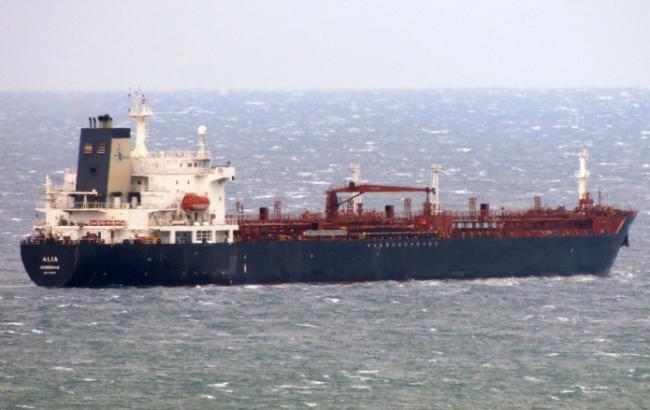 Фото: загрози забруднення після аварії танкерів немає