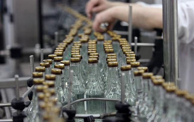 Фото: Україна в червні скоротила виробництво горілки на 23,7%