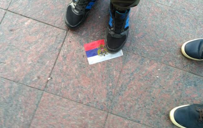 В Одессе активисты заставили водителя снять флаг РФ с автомобиля