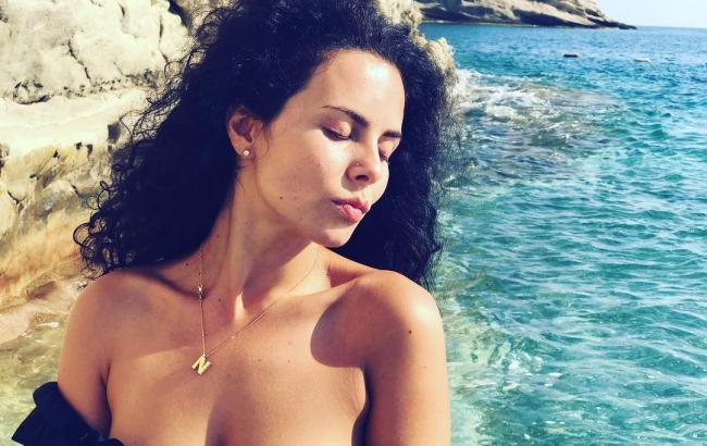 Caviar Teenie Summer Break Naked Pics
