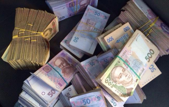 Курс долара на міжбанку о 10:00 зберігся на рівні 26,45 гривень