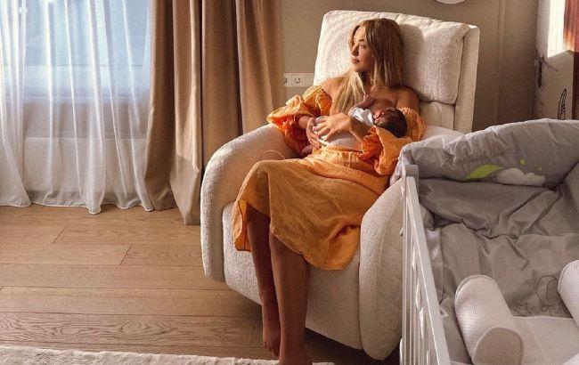 Не помним жизнь без тебя: Даша Квиткова очаровала милыми фото месячного сыночка