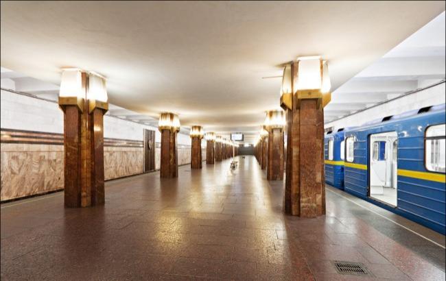 """Фото: Станція метро """"Героїв Дніпра"""" (tov-tob.livejournal.com)"""