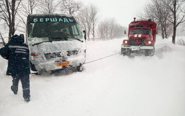 Негода в Україні: у 6 областях обмежено рух транспорту