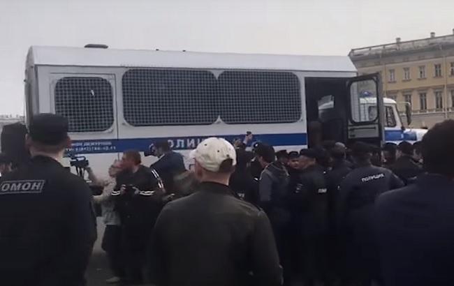 У Санкт-Петербурзі на акції мусульман затримано 130 людей