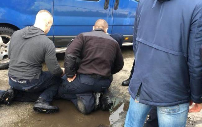 Фото: Задержание нарушителя (facebook.com/KyivOperativ)
