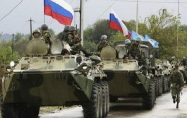 Фото: колонна российских БТР
