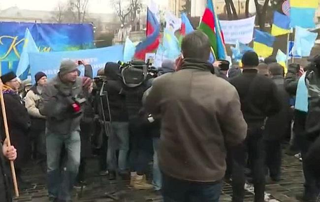 ВКиеве проходит «Марш солидарности» сжителями аннексированного Крыма