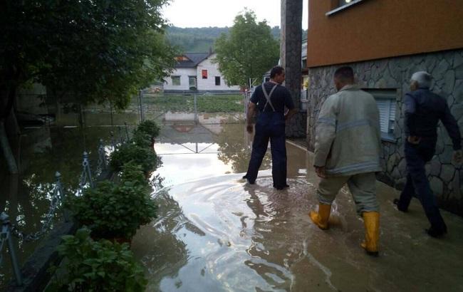 НаЗакарпатье после дождя затопило сотню дворов