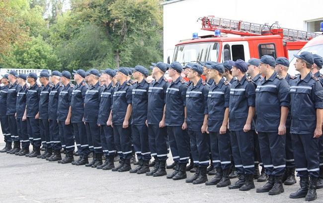 Близько 7 тис. рятувальників і понад 2 тис. одиниць техніки ДСНС чергує на Трійцю