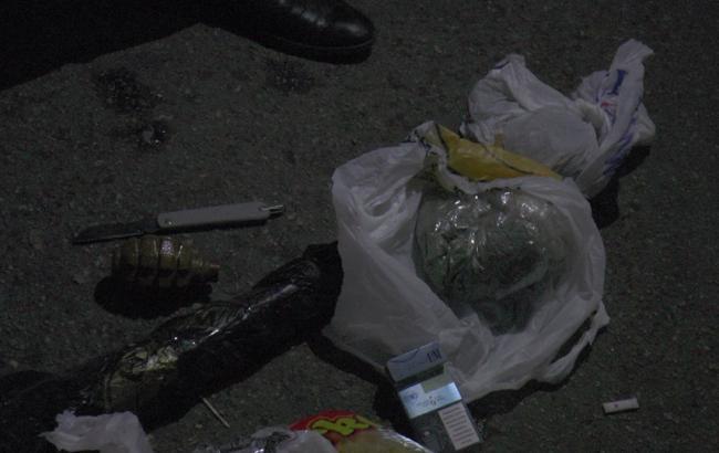 Фото: найденное оружие (facebook.com/khersonpolice.official)