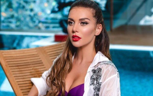 """""""Училкина дочка"""": украинская певица показала, почему раньше у нее не было парня"""