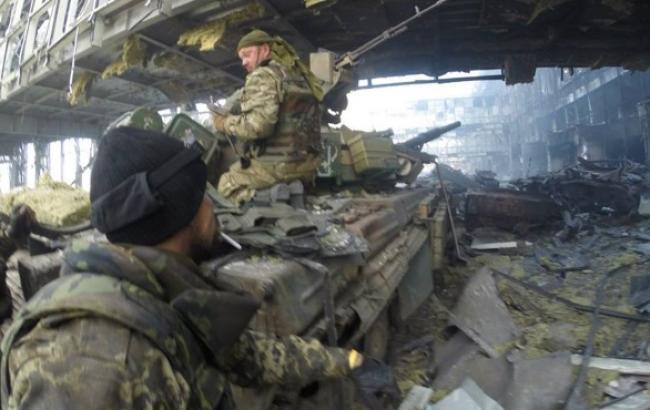 Бойовики намагаються відрізати українські війська в донецькому аеропорту від основних сил АТО