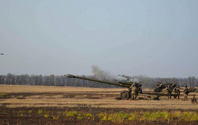 Бойовики на Донбасі продовжують обстріл українських військових на двох напрямках